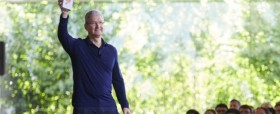 tim-cook-iphone-milliard-11563282mmmbt_1713