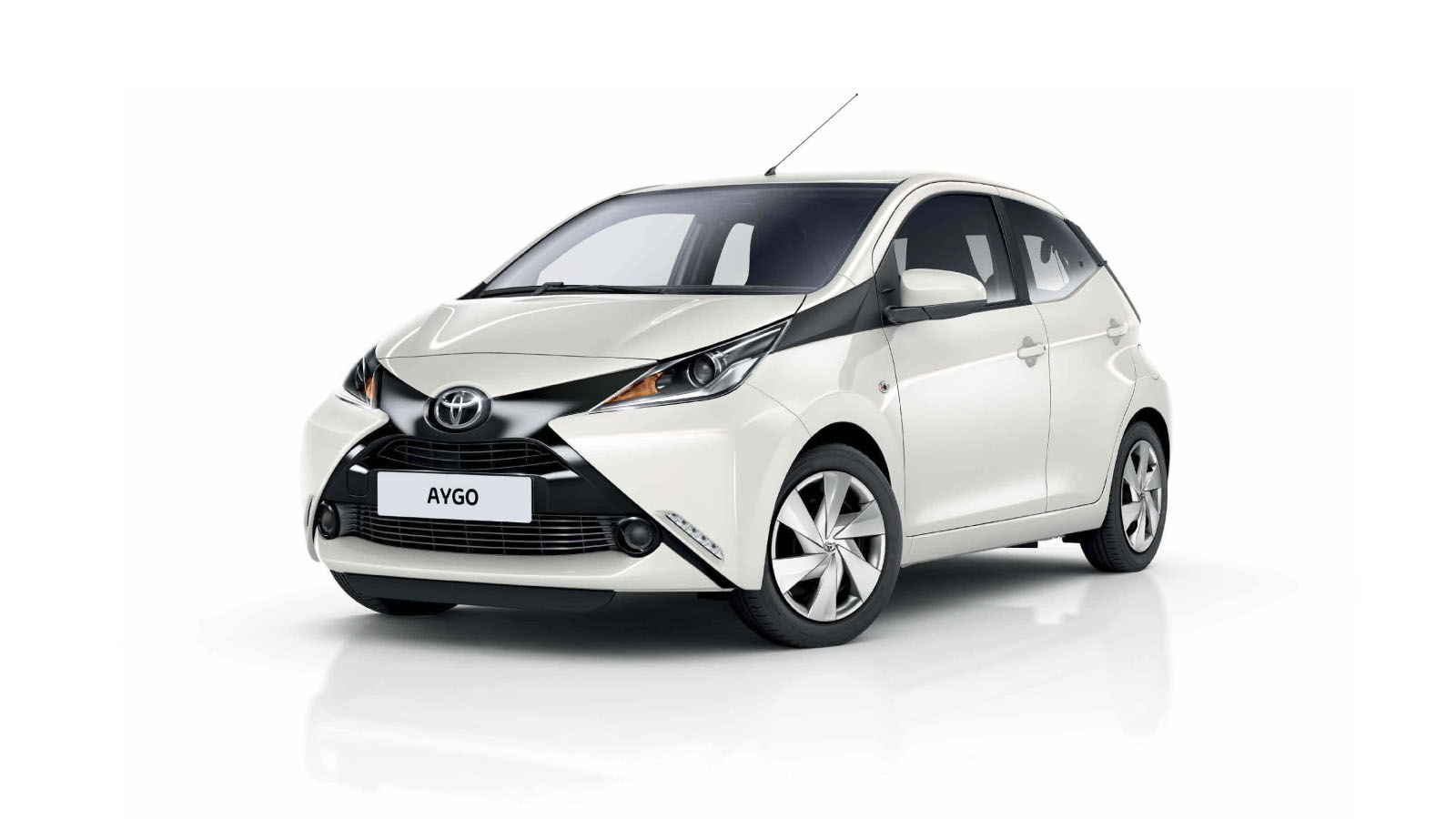 aygo la 4 cv populaire de toyota arrive en tunisie partir de dinars. Black Bedroom Furniture Sets. Home Design Ideas